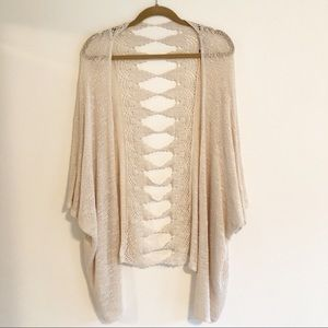 Earthbound open weave cardigan. M